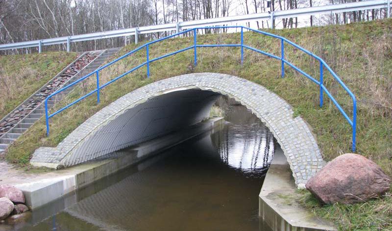 Brücke über den Augraben im Zuge der DM 33 bei Gatschow