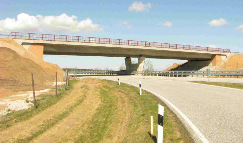 Brücke über die BAB A 19 im Zuge der L 204 bei Linstow