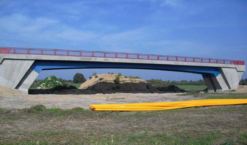 Brücke über die L 40n im Zuge des Stahnsdorfer Weges bei Güterfelde